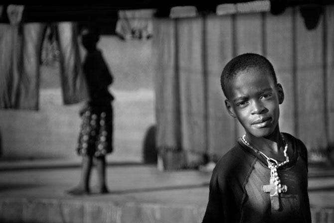 Povestea orfanilor dansatori din Uganda, spusa de Doug Menuez - Poza 6