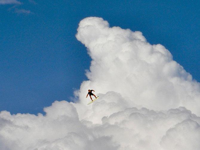 Elio Pallard se joaca printre nori - Poza 2