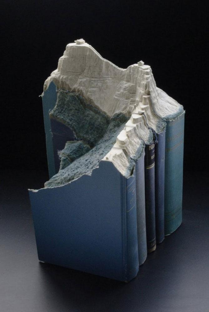 Peisaje sculptatea in carti, de Guy Laramee