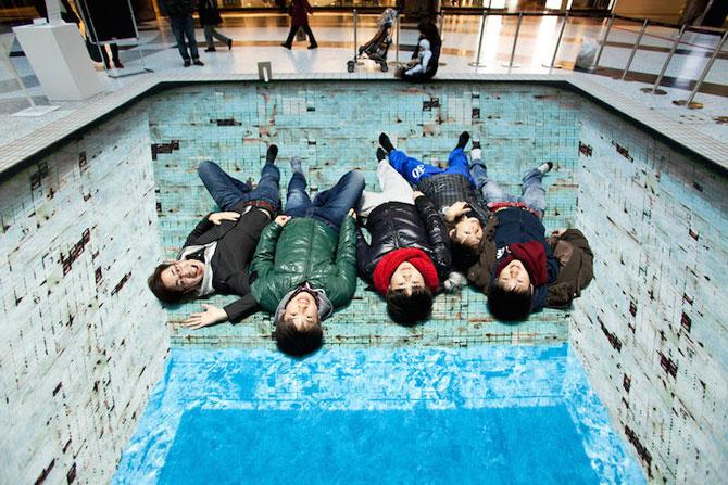 Iluzia optica a unei piscine, de Jeroen Bisscheroux - Poza 1