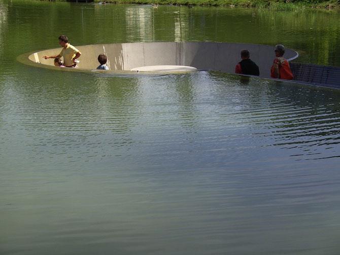 Sub lac in parc, in Austria - Poza 2