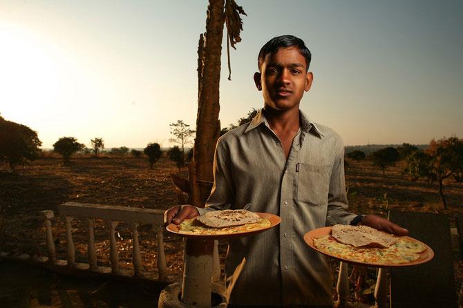 Portrete din India, de 10 rupii bucata - Poza 1