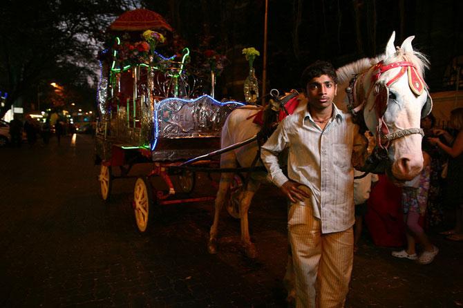 Portrete din India, de 10 rupii bucata - Poza 3