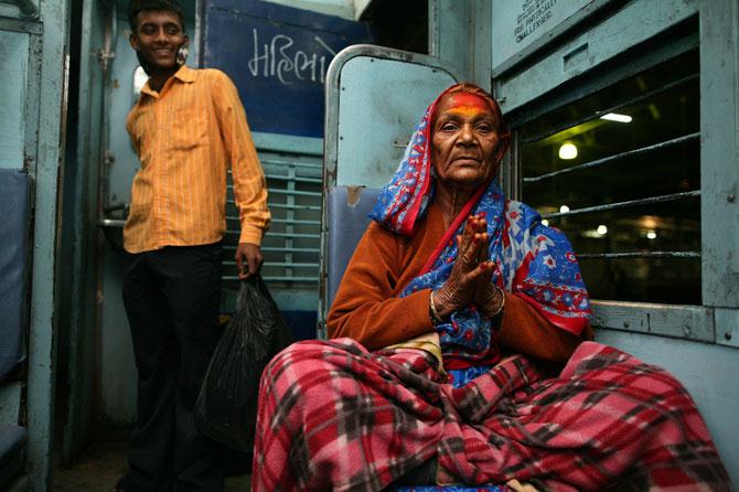 Portrete din India, de 10 rupii bucata - Poza 4