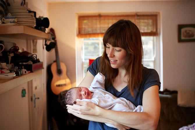 Emotie in portrete de mame cu bebelusi de o zi - Poza 3