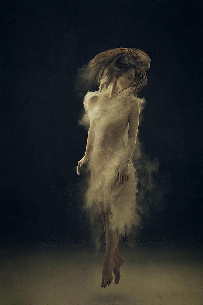 Autoportretele suprarealiste ale Ameliei Fletcher - Poza 6