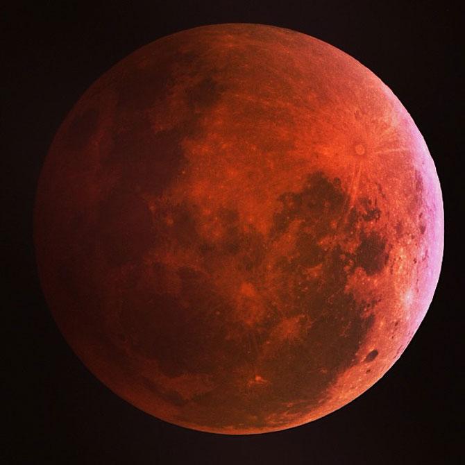 Cele mai bune fotografii cu Luna Sangerie - Poza 1