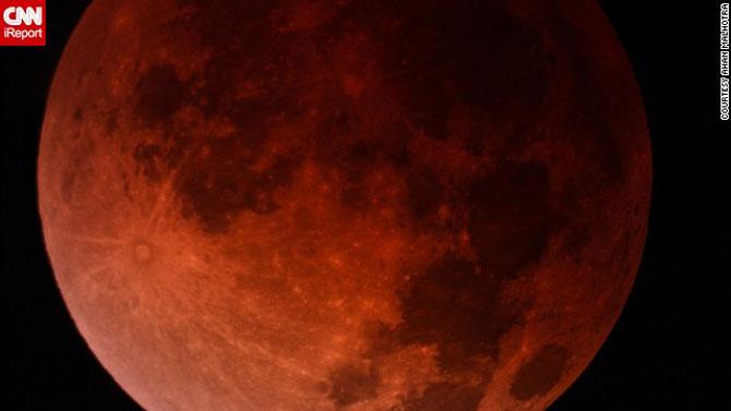 Cele mai bune fotografii cu Luna Sangerie - Poza 10