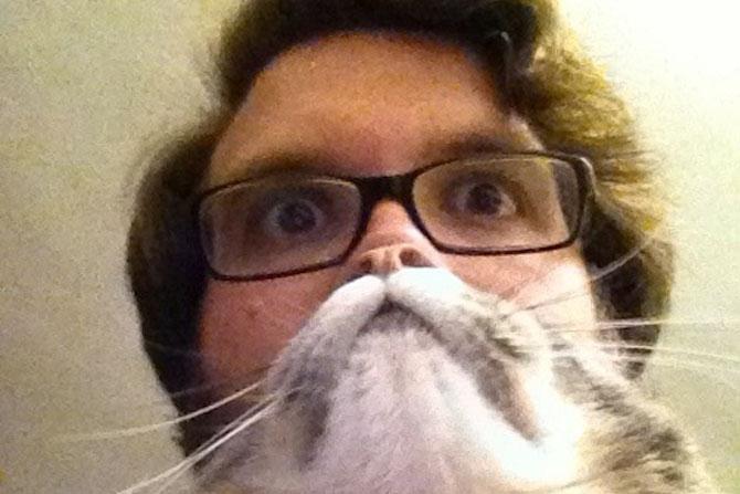 Pe jumatate om, pe jumatate pisica - Poza 3