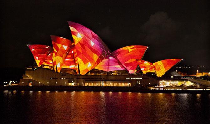 Lumina si culoare pe opera din Sydney - Poza 1