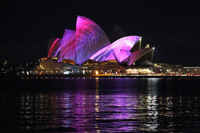 Lumina si culoare pe opera din Sydney - Poza 3