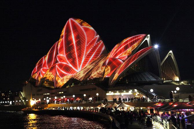 Lumina si culoare pe opera din Sydney - Poza 5