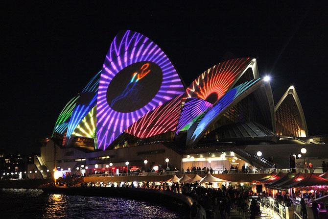 Lumina si culoare pe opera din Sydney - Poza 8