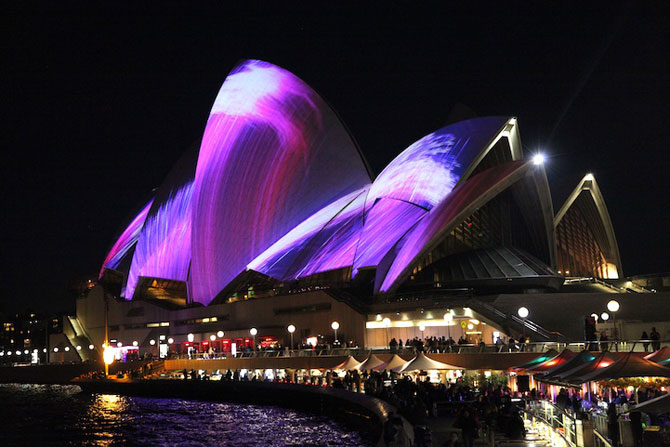 Lumina si culoare pe opera din Sydney - Poza 9