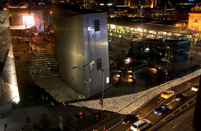 Raul de carti luminoase de la Melbourne - Poza 2