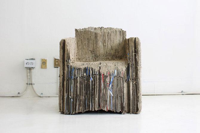 Eco-canapeaua din 127 de cutii de carton - Poza 1