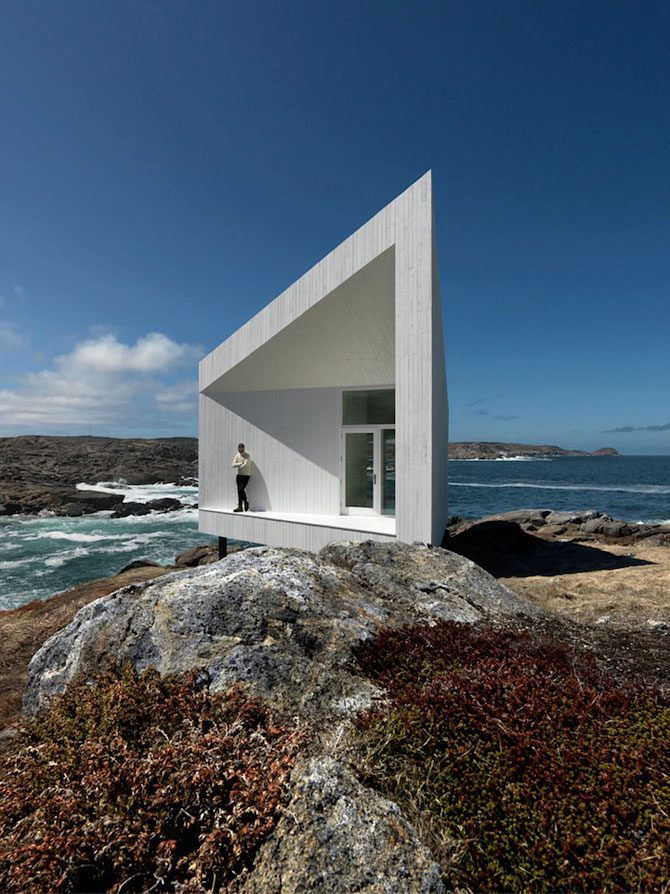 Squish Studio - Un mic far la Oceanul Atlantic - Poza 1