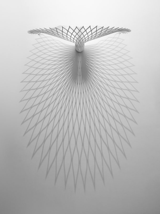 Scaunul inspirat de pauni, de la UUfie - Poza 6