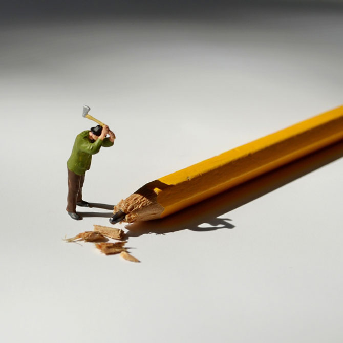 Viata la birou in miniaturi, de Bettina Guber - Poza 1