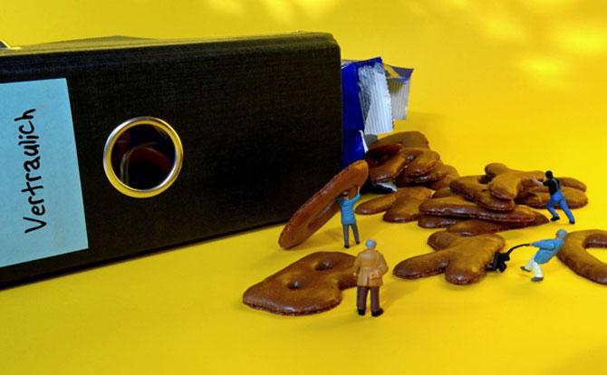 Viata la birou in miniaturi, de Bettina Guber - Poza 10