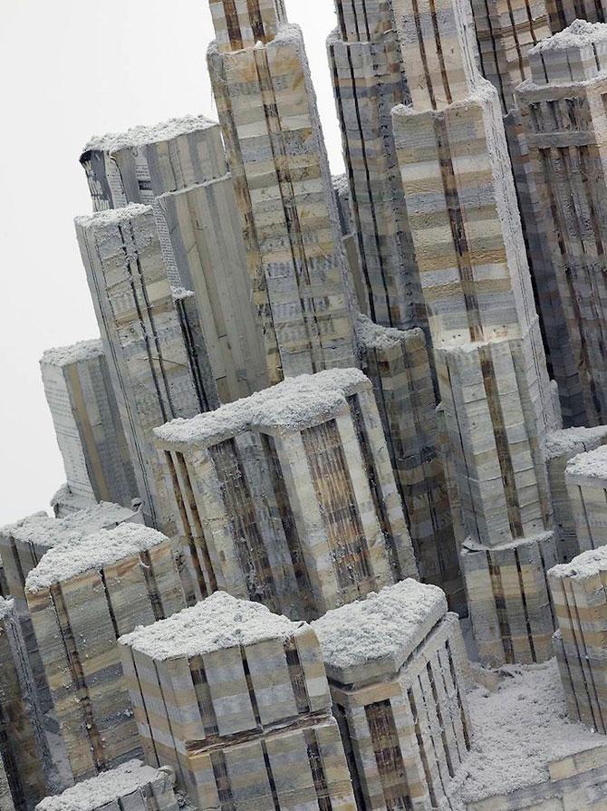 Un oras sculptat in carti de Liu Wei - Poza 2
