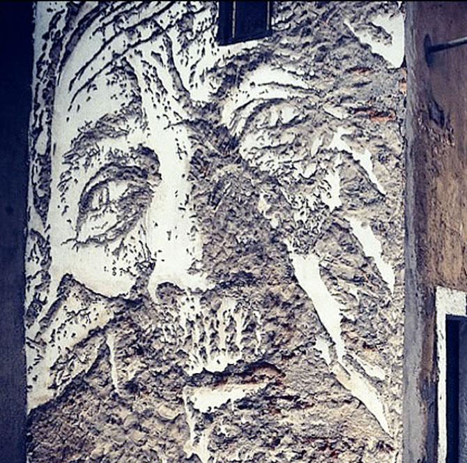 Portret in zid sau O lume fragila, dezvaluita cu ciocanul si cu dalta - Poza 2