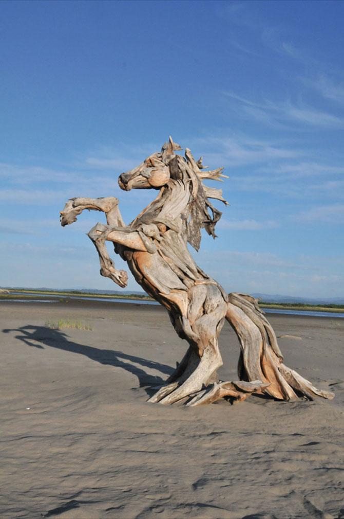 Sculpturi din lemne culese din ocean, de Jeffro Uitto - Poza 2