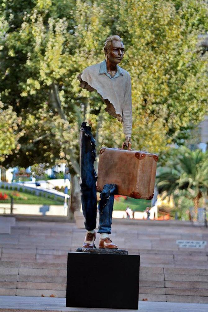 Statuile isi cauta bucatile lipsa - Poza 4