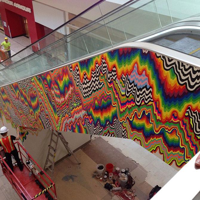 Sculpturi multicolore la mall, de Arts Initiative - Poza 5