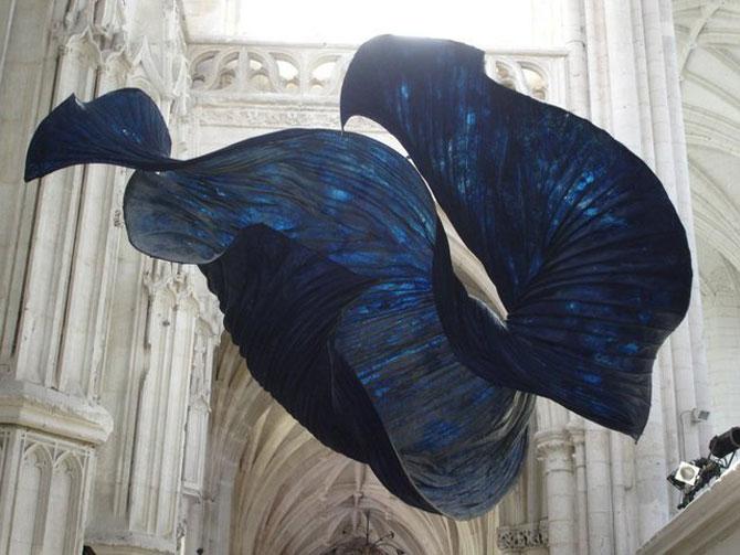 Sculpturi plutitoare, din hartie artizanala - Poza 4