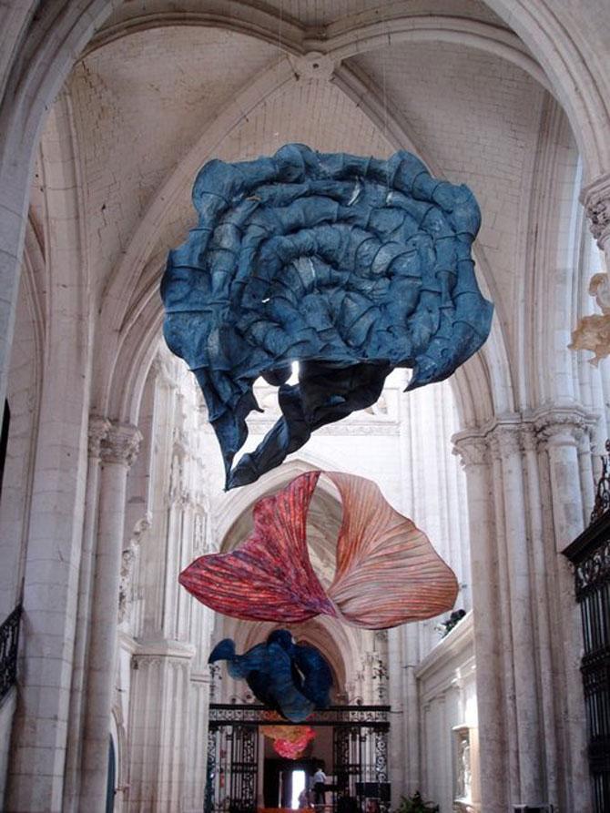Sculpturi plutitoare, din hartie artizanala - Poza 5