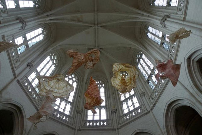 Sculpturi plutitoare, din hartie artizanala - Poza 8