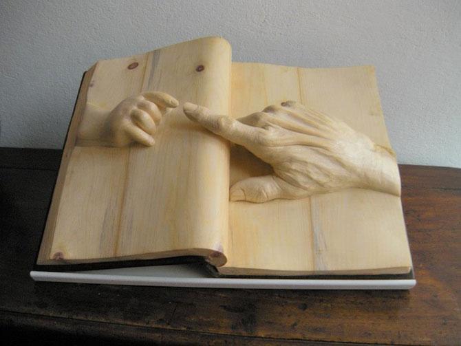 Viata sculptata in lemn si carti de Nino Orlandi - Poza 1