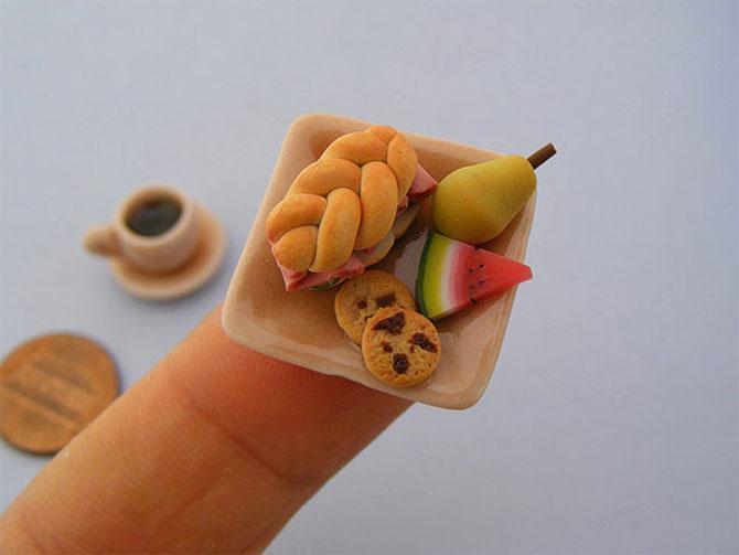 Dieta pascala miniaturala, de Shay Aron
