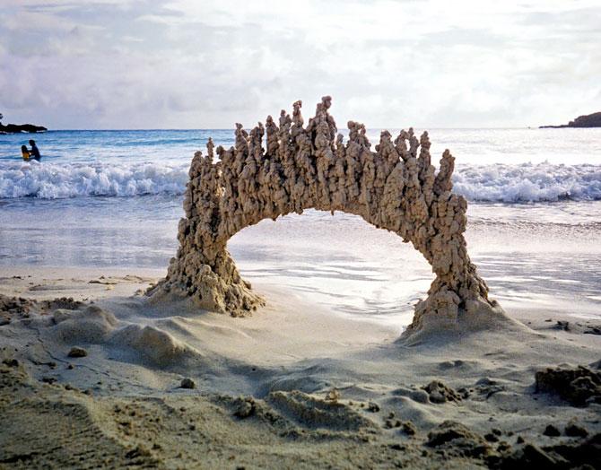 Sculpturi de nisip care sfideaza gravitatia - Poza 5