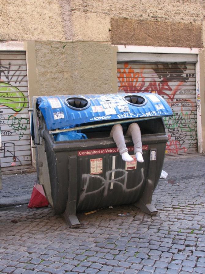 Soc si groaza la Roma: Sculpturi vii de Mark Jenkins - Poza 3