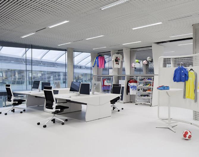 Adidas isi tine angajatii in forma la noul sediu - Poza 1