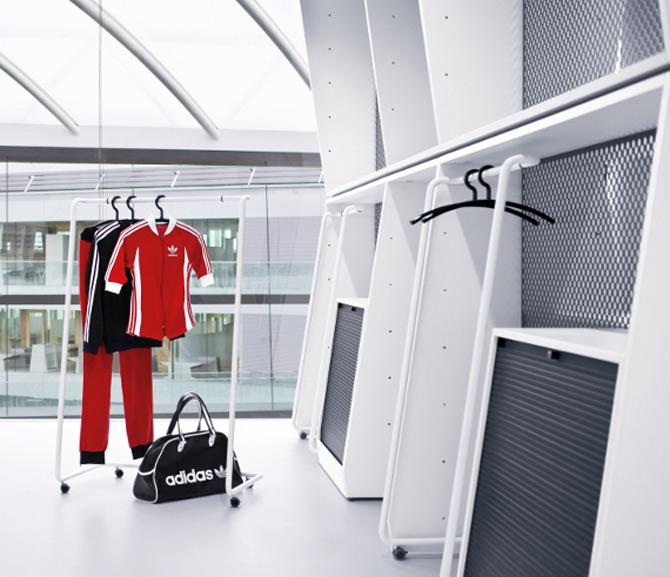 Adidas isi tine angajatii in forma la noul sediu - Poza 5