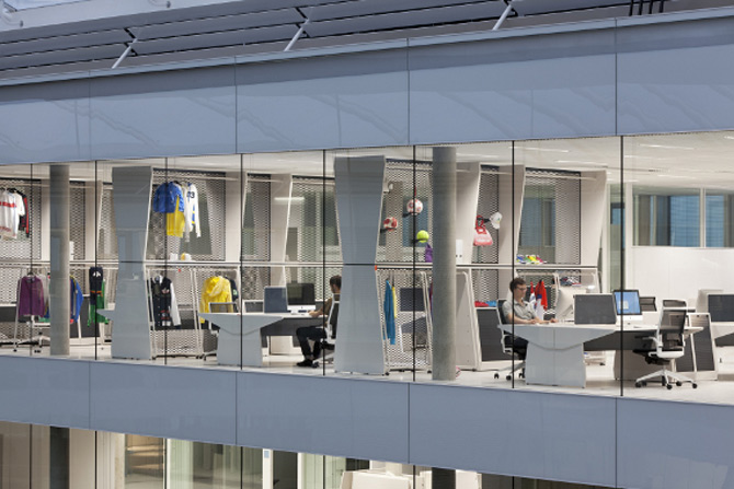 Adidas isi tine angajatii in forma la noul sediu - Poza 25