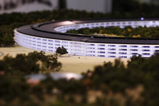 Visul lui Steve Jobs: Sediul Apple OZN - Poza 2