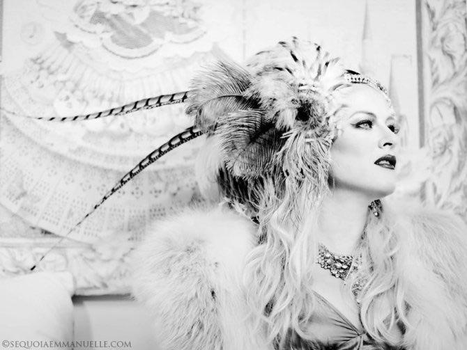 Carnaval burlesc cu Sequoia Emmanuelle - Poza 4