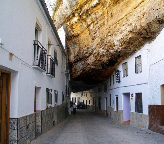 Orasul din stanca: Setenil de las Bodegas, Spania - Poza 1