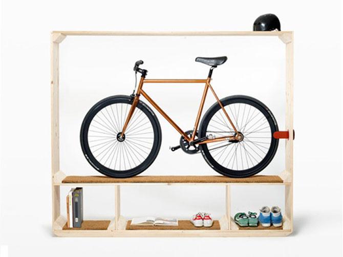 Suficient spatiu pentru pantofi, carti si o bicicleta - Poza 1