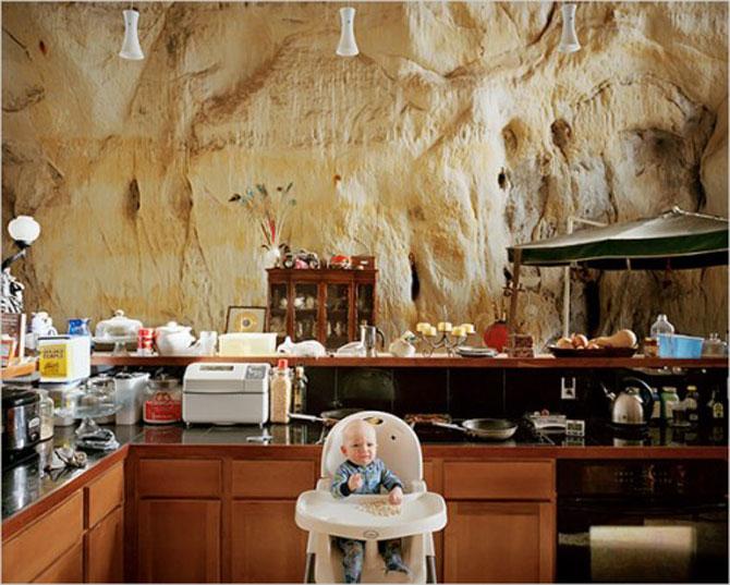 Familia Flintstone scoate casa din pestera la licitatie - Poza 3