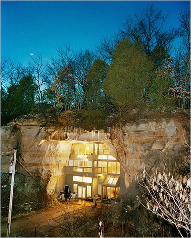 Familia Flintstone scoate casa din pestera la licitatie - Poza 5