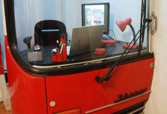 Biroul din masina timpului, intr-un autobuz Ikarus - Poza 3