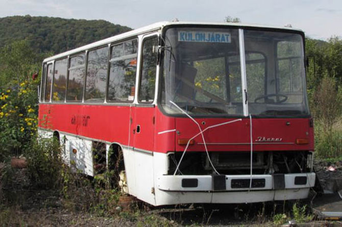 Biroul din masina timpului, intr-un autobuz Ikarus - Poza 6