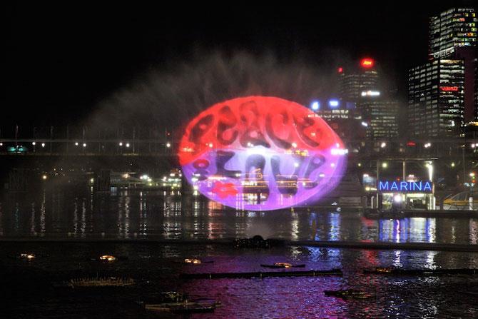 Show de lumina si culoare la Sydney: Vivid Aquatique - Poza 2
