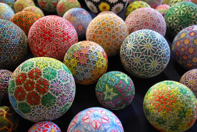 Batrana de 92 de ani si globurile colorate - Poza 4