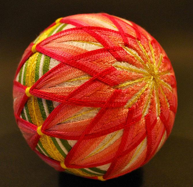 Batrana de 92 de ani si globurile colorate - Poza 5